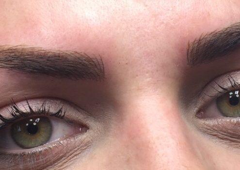 Semi-permanent brows close-up